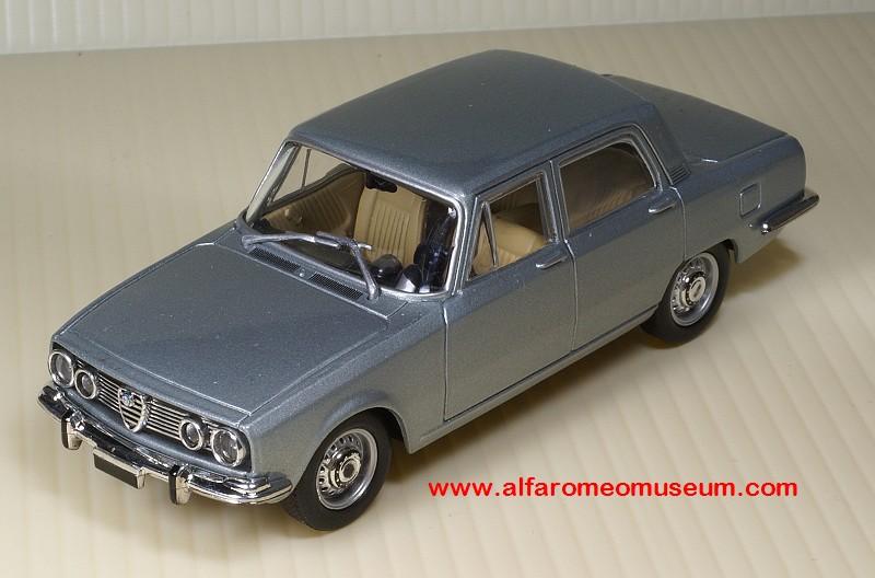 Alfa Romeo 1750 Limousine 1968 Grün 1//24 Modellcarsonline Modell Auto mit oder o