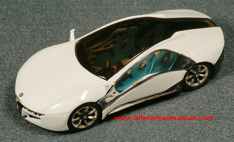 [2010] Pandion Bertone ( 1/43 ) « Alfa Romeo Model Car Museum